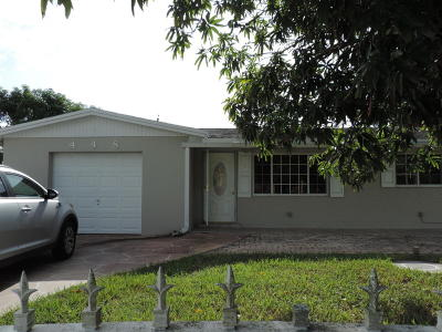Lake Worth Single Family Home For Sale: 448 Fontana Drive
