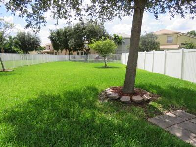 Royal Palm Beach Single Family Home For Sale: 1249 Oakwater Drive