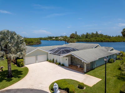 Hobe Sound Single Family Home For Sale: 9187 SE Star Island Way