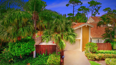 Boca Raton Townhouse For Sale: 7639 Sierra Drive W #7639