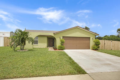 West Palm Beach Single Family Home For Sale: 276 Foresta Terrace