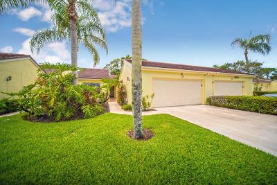 Palm Beach Gardens Townhouse For Sale: 13 Edinburgh Drive