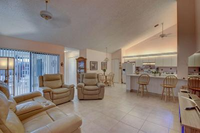 West Palm Beach Townhouse For Sale: 1050 Summit Place Circle #B