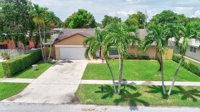 Boca Raton Single Family Home For Sale: 103 Pinehurst Lane