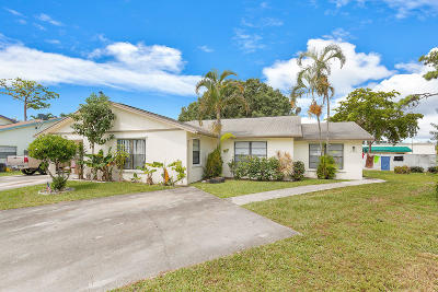 Lake Worth Multi Family Home For Sale: 2909 Via Del Lago