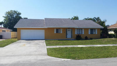 West Palm Beach Single Family Home For Sale: 1357 Westchester Drive W