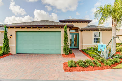 Port Saint Lucie Single Family Home For Sale: 11434 SW Lake Park Drive