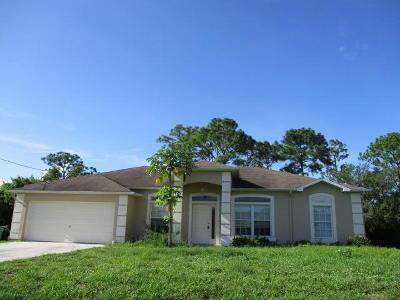 Port Saint Lucie Single Family Home For Sale: 158 SW Essex Drive