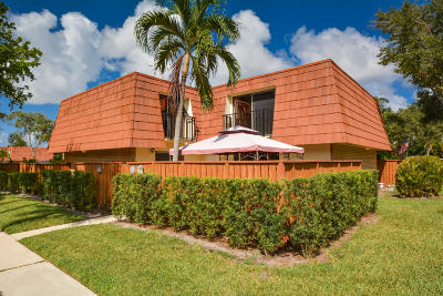 Boynton Beach Townhouse For Sale: 324 Buttonwood Lane #324