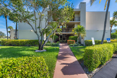 Delray Beach Condo For Sale: 5340 Las Verdes Circle #102