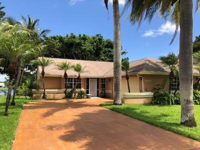 Boynton Beach Single Family Home For Sale: 1804 Edgewater Drive