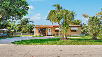 West Palm Beach Single Family Home For Sale: 4707 Sutton Terrace S