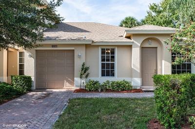 Vero Beach Single Family Home For Sale: 9971 E Villa Circle