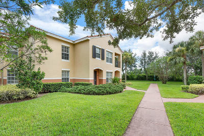 Royal Palm Beach Condo For Sale: 10300 S Fox Trail Road #807