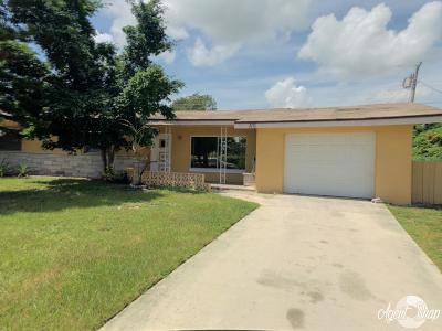 Port Saint Lucie Single Family Home For Sale: 110 NE Entrada Avenue E
