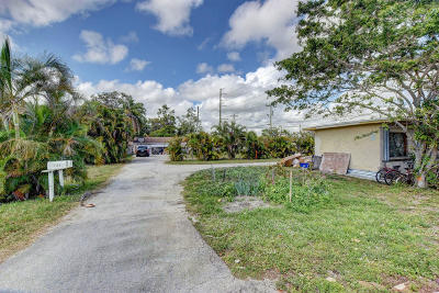 Lake Worth Single Family Home For Sale: 7157 S Military Trail