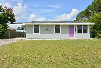 Port Saint Lucie Single Family Home For Sale: 1990 SE Carvalho Street