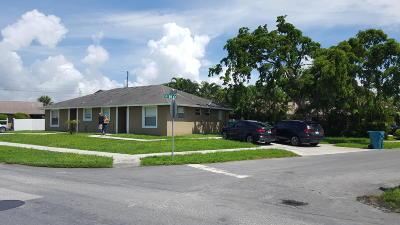Boynton Beach FL Multi Family Home For Sale: $279,900