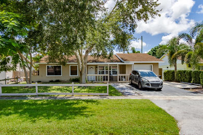 Boca Raton FL Single Family Home For Sale: $329,000