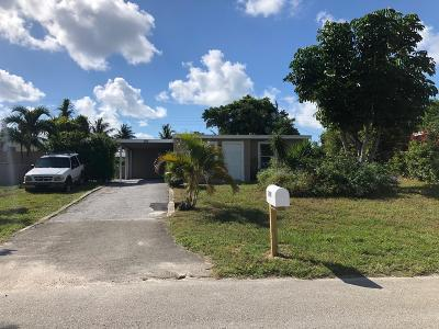 Lake Worth Single Family Home For Sale: 390 Tulip Tree Drive