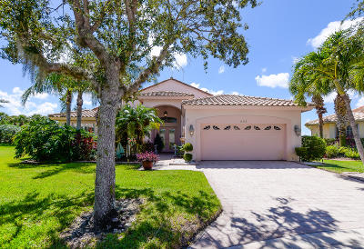 Port Saint Lucie Single Family Home For Sale: 423 NW Aqua Vista Lane