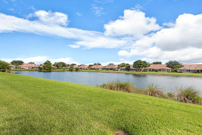 Boynton Beach Single Family Home For Sale: 5803 Royal Lake Circle