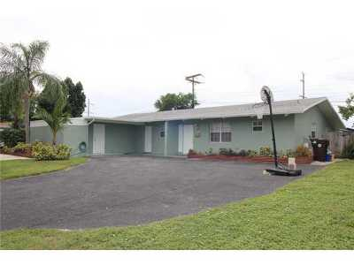 West Palm Beach FL Multi Family Home For Sale: $274,000