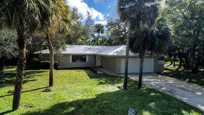 Fort Pierce Single Family Home For Sale: 3606 E Wilderness Drive