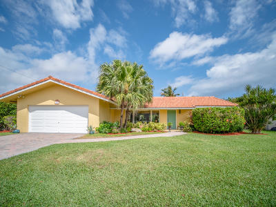 Palm Beach County Single Family Home For Sale: 755 Valencia Drive