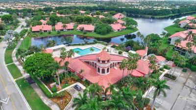 Delray Beach Single Family Home For Sale: 7676 Lexington Club Boulevard #B