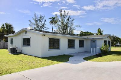 West Palm Beach Single Family Home For Sale: 2821 Melaleuca Drive #B