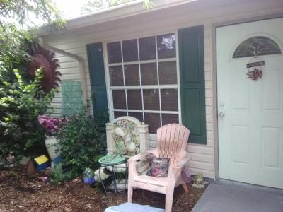 Lake Worth Single Family Home For Sale: 5038 Canal Circle E
