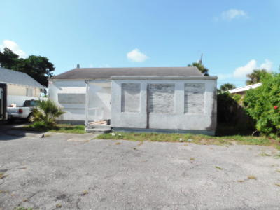 West Palm Beach FL Single Family Home For Sale: $115,000