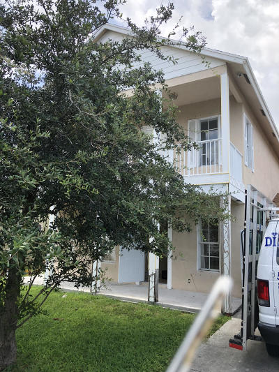 West Palm Beach FL Single Family Home For Sale: $144,900