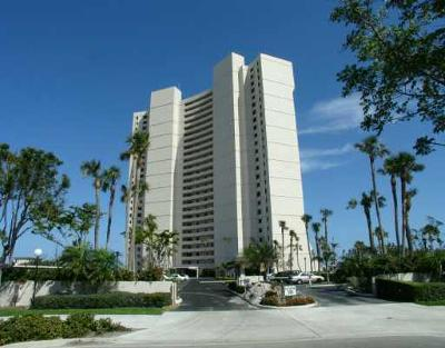 West Palm Beach Condo For Sale: 5200 Flagler Drive #2104