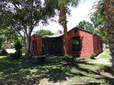 West Palm Beach Single Family Home For Sale: 425 E Lakewood Road