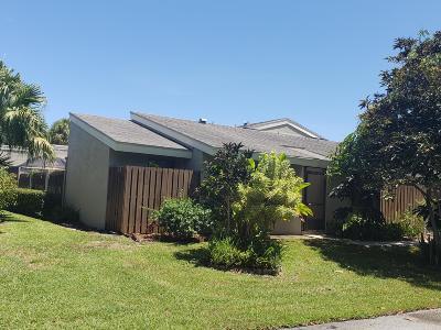 Boynton Beach Single Family Home For Sale: 191 Meadows Drive