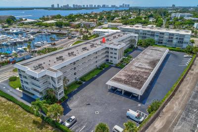 North Palm Beach Condo For Sale: 907 Marina Drive #406