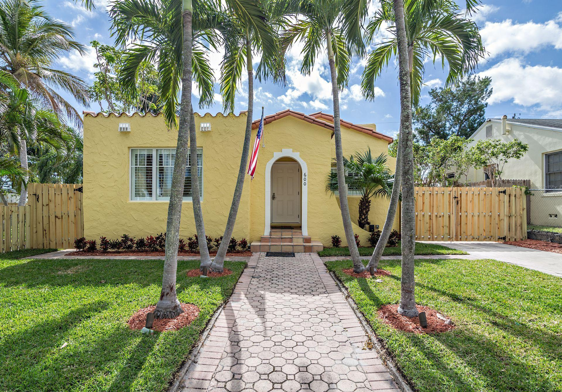 Amazing 3 Bed 2 Baths Home In West Palm Beach For 619 000 Download Free Architecture Designs Xoliawazosbritishbridgeorg