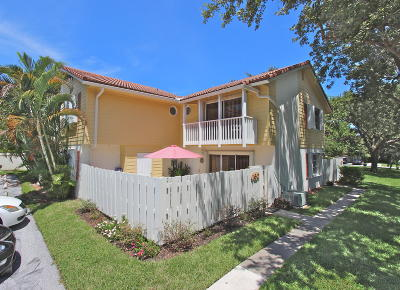 Townhouse For Sale: 160 Seabreeze Circle