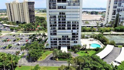 West Palm Beach Condo Sold: 2425 Presidential Way #904