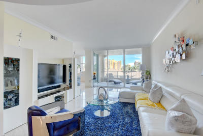 Highland Beach Condo For Sale: 3700 S Ocean Boulevard #307