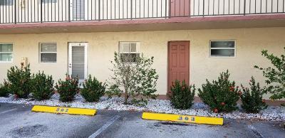 Palm Springs Condo For Sale: 705 Lori Drive #110