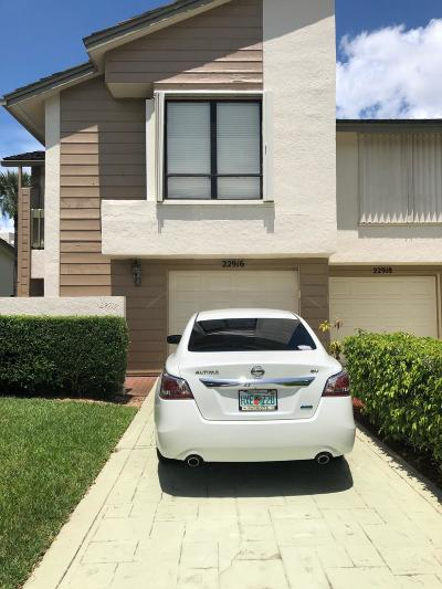 Boca Raton FL Townhouse For Sale: $329,500
