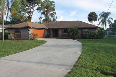 Port Saint Lucie Single Family Home Contingent: 952 SE Walters Terrace