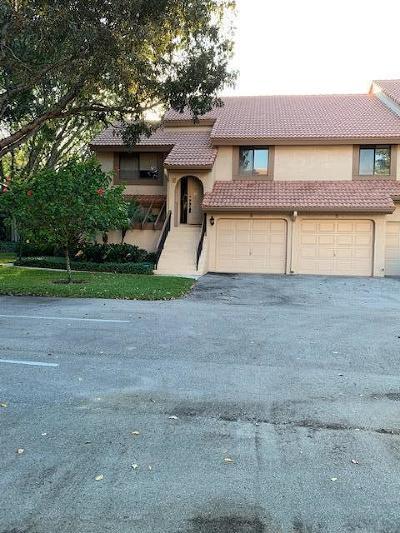 Boca Raton Condo For Sale: 5710 Coach House Circle #E