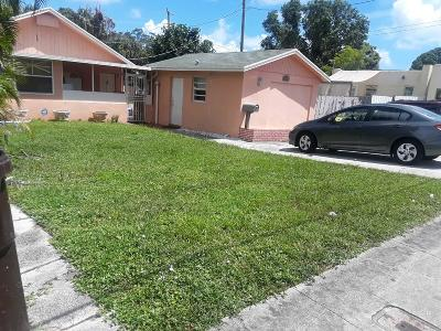 West Palm Beach Single Family Home For Sale: 1017 W Lakewood Road
