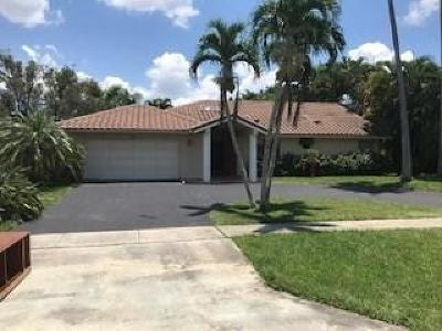 Boca Raton Single Family Home For Sale: 21095 Sweetwater Lane