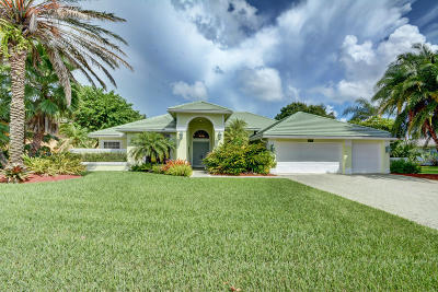 Hobe Sound Single Family Home For Sale: 8867 SE Marina Bay Drive