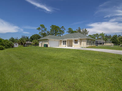 Fort Pierce Single Family Home For Sale: 8710 Jay Gardens Lane